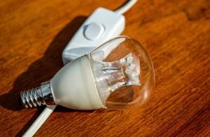 ¿La factura de la luz te da miedo? Ahorra en dos pasos