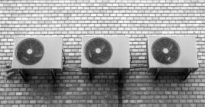 ¿Cómo utilizar al aire acondicionado sin que aumente (mucho) la factura de la luz?